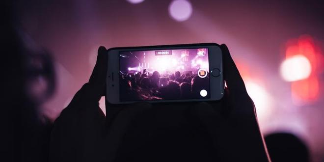 Apple新專利防偷拍 禁止用手機於演唱會拍攝