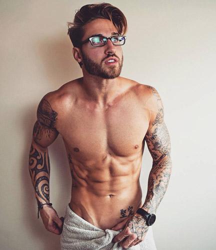 Travis DesLaurier06